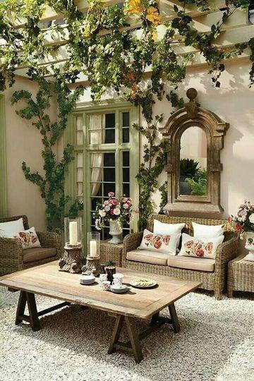 decoracion de patios interiores clasicos