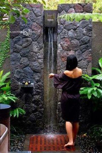 fuentes de pared para jardin con regadera