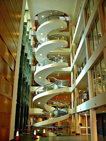 modelos de escaleras de caracol grandes