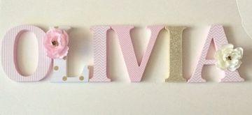 nombres en madera para bebes decoradas