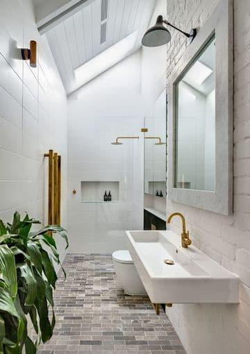 baños estrechos y largos rusticos