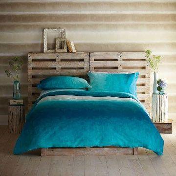 cabecera de cama reciclada con palet