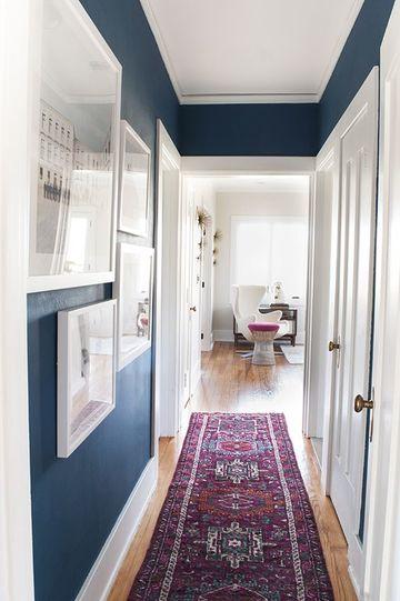 colores para pintar un pasillo en tonos oscuros