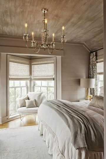 habitaciones color beige con madera