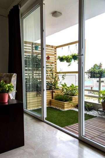diseños de balcones en madera pequeños
