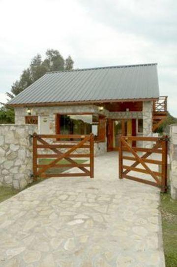 frentes de casas de campo de piedras