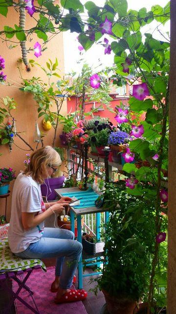 jardines en terrazas pequeñas muy coloridos