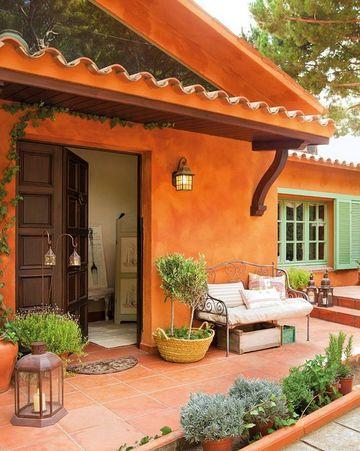 paredes exteriores decoradas al estilo colonial