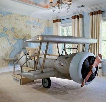 como decorar el cuarto de un niño con cama de aeroplano