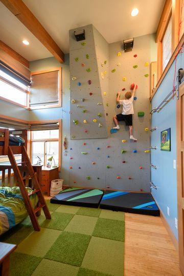 como decorar el cuarto de un niño con pared para escalar