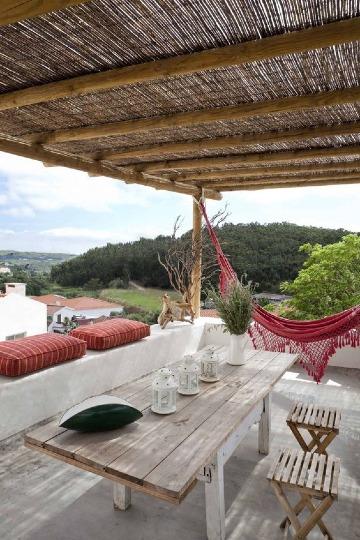 terrazas con pergolas de madera sencillas y baratas