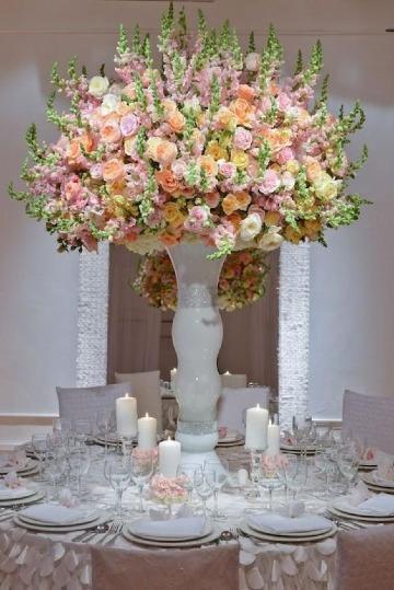 centros de mesa con floreros grandes