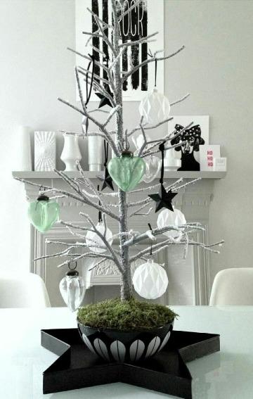 como decorar un arbol seco sencillo