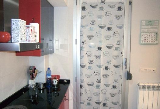 cortinas para puertas de cocina pequeñas