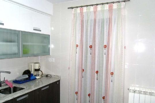 cortinas para puertas de cocina sencillas