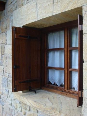 diseños de ventanas de madera vintage
