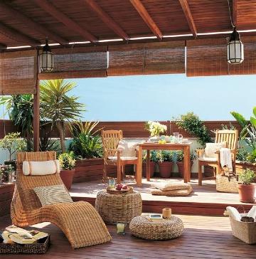 terrazas con piso de madera decoradas