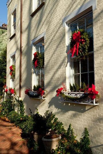 bonitos arreglos navideños para ventanas