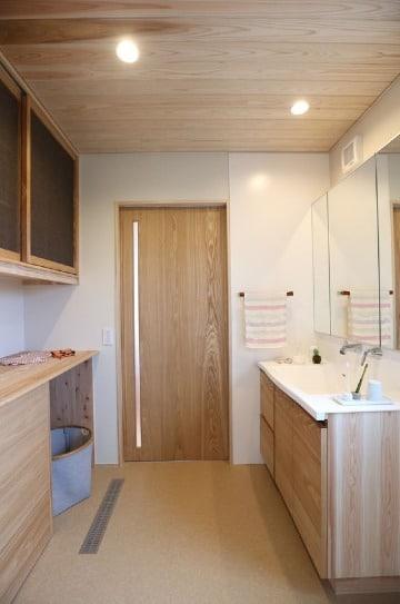 puertas de baño de madera sencilla