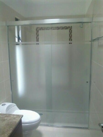 fotos de baños con cristal templado