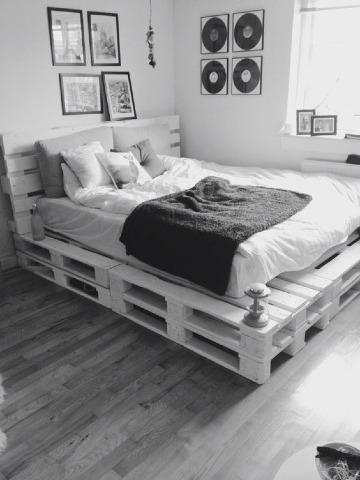 camas hechas con tarimas de madera