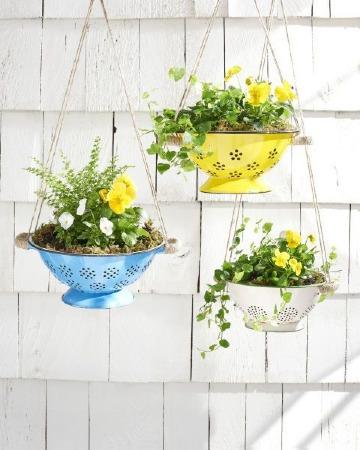 creativos floreros con material reciclado
