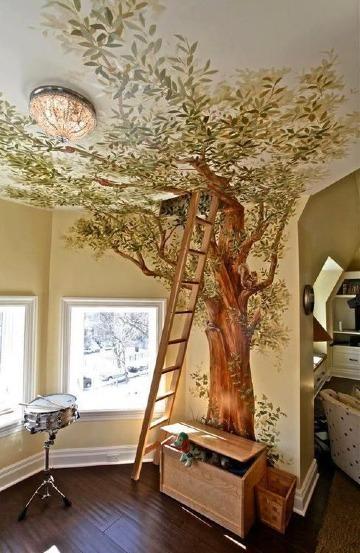 arboles pintados en la pared de casa