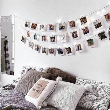 fotos en la pared de la habitacion juvenil