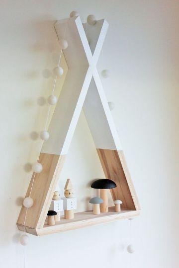 estantes y repisas de madera para juguetes