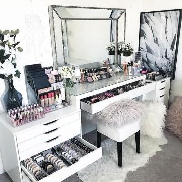 modernos muebles para maquillaje con espejo