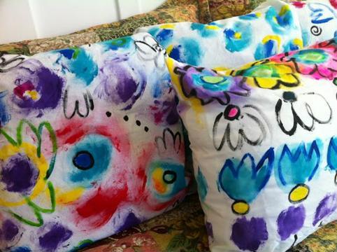 cojines para niños hechos a mano pintados