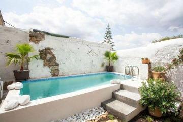 imagenes de casas pequeñas con piscina