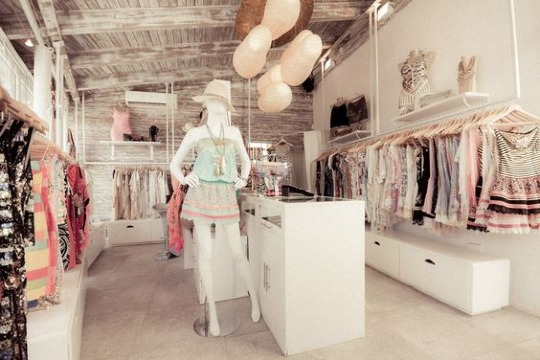 modelos de tienda de ropa de mujer