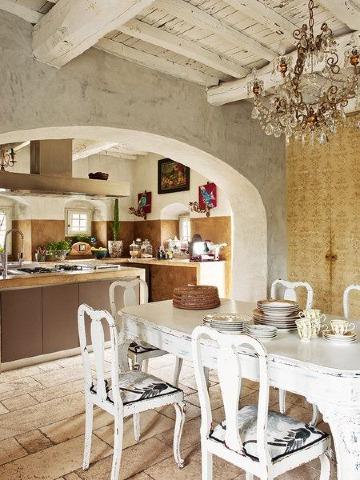 comedor con decoracion toscana italiana