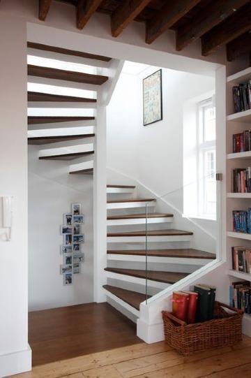 imagenes de modelos de escaleras para casas pequeñas