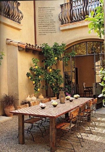 jardin con decoracion toscana italiana