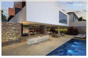 casas de lujo con piscina y jardin modernas