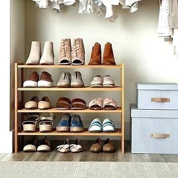 zapateros de madera originales en closet
