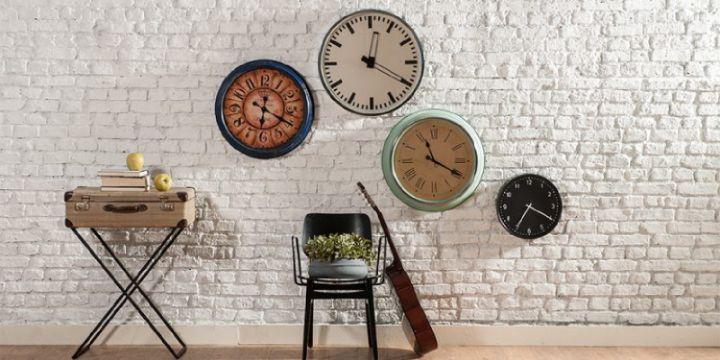 decoracion con circulos en paredes relojes