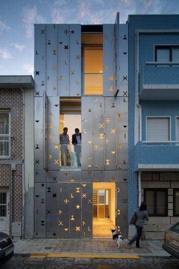 fachadas de casas de tres pisos casas pequeñas
