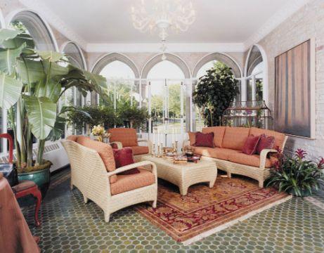 decorar la sala con plantas en espacios grandes