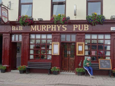 fachadas de bares y restaurantes tabernas