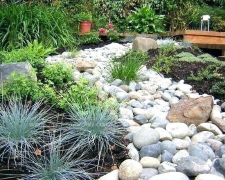 decoracion jardines con piedras grandes lajas