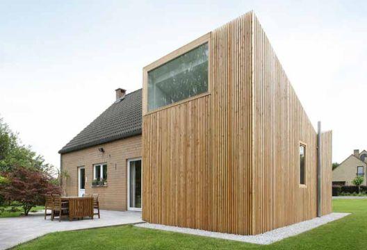 fachadas de casas de madera establos