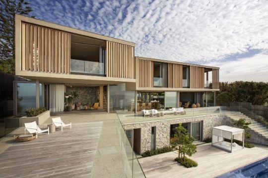 fachadas de casas de madera grandes