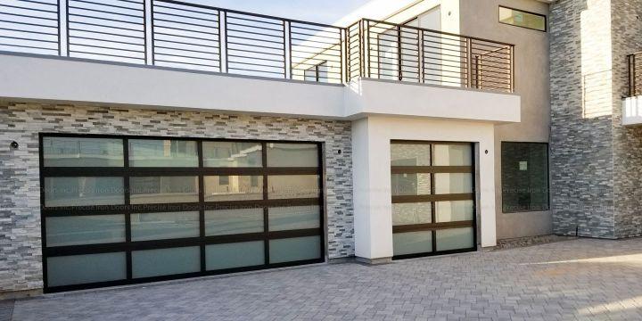 diseños de puertas metalicas para casas grandes