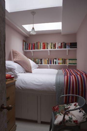 decoracion de dormitorios pequeños bases altas y organizadoras