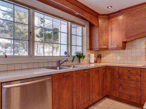 mueble de cocina con lavadero de madera