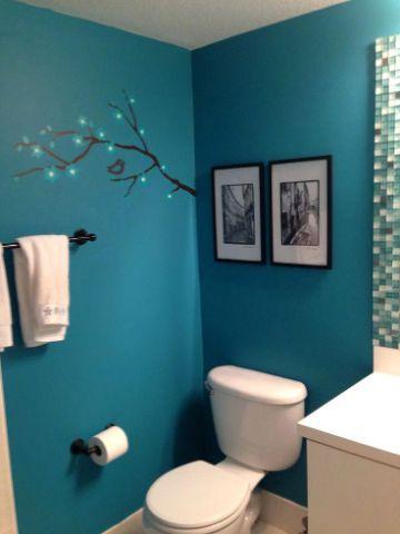 decoracion azul turquesa y rojo para baños