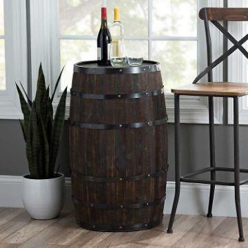 decoracion con barriles de madera en casa